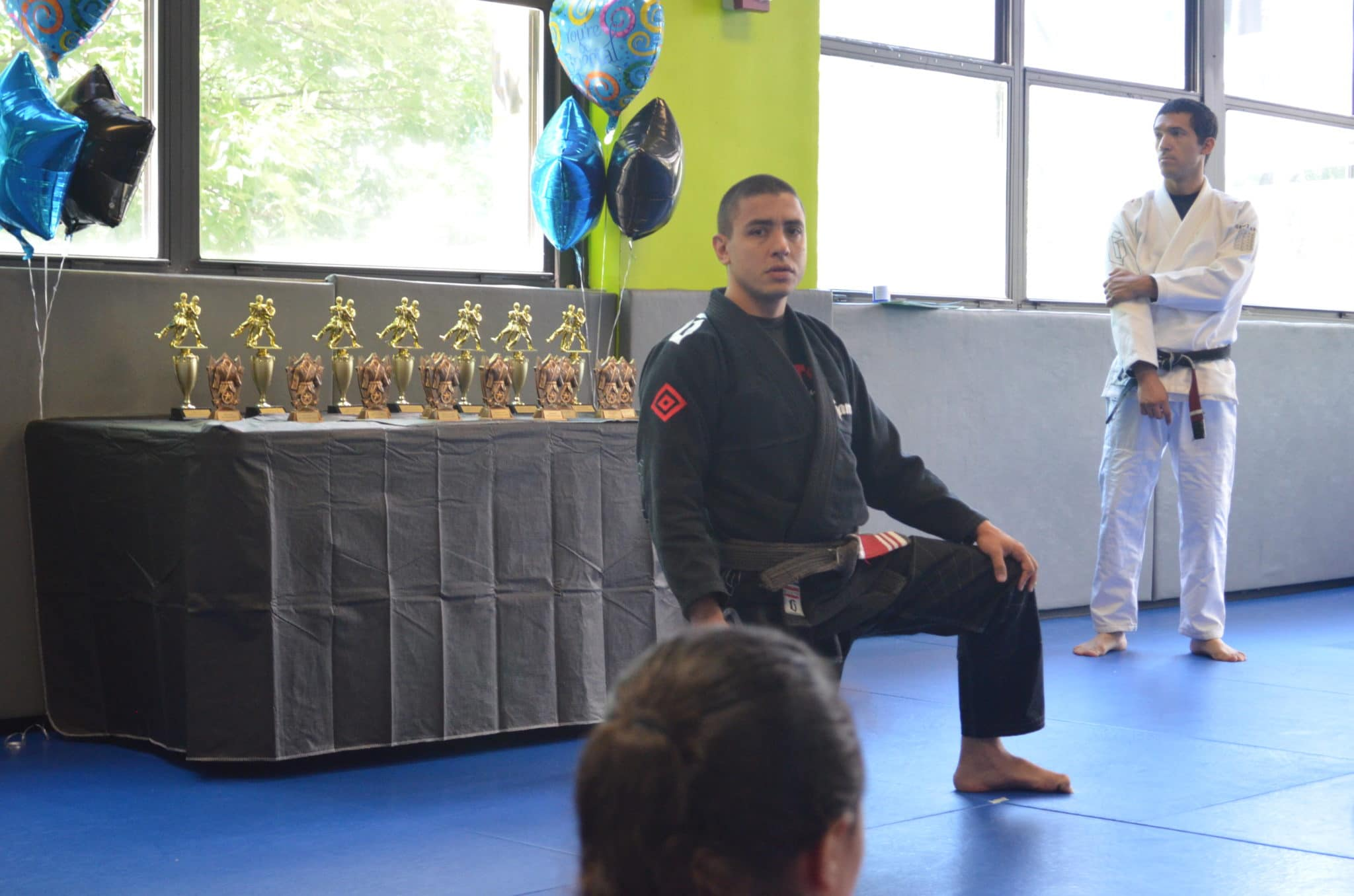 Professor Fabricio Medici Speaking to a Class at Lifestyle MMA